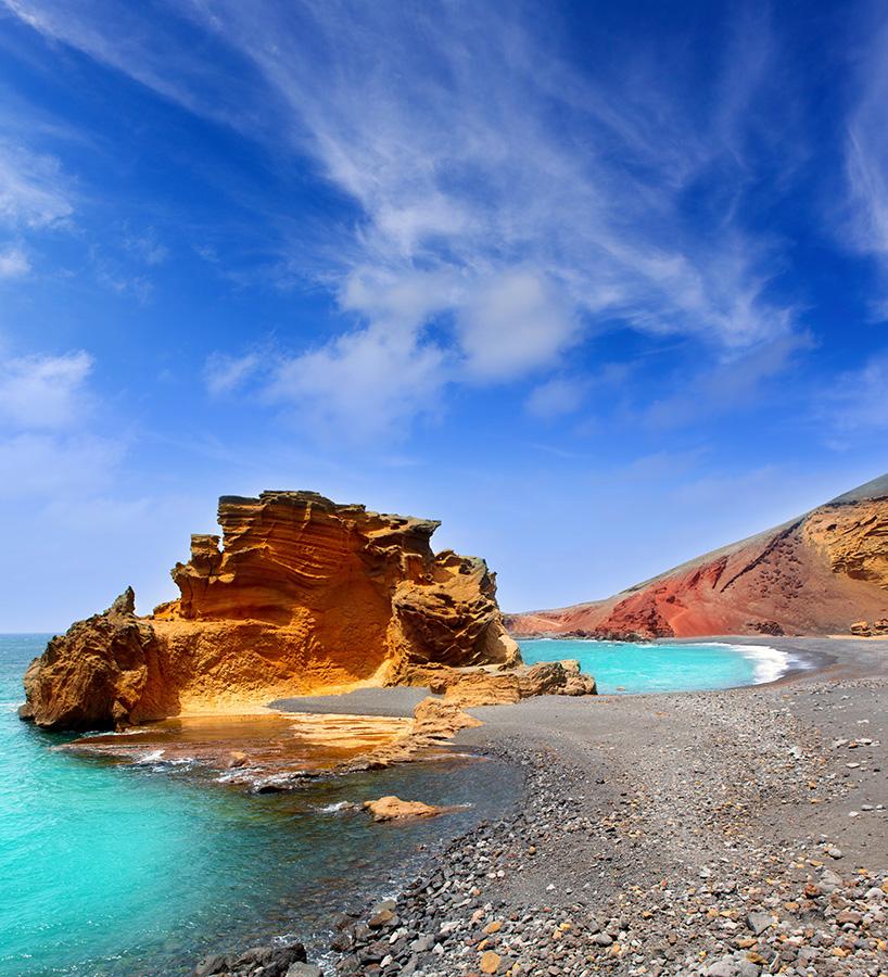 Excursiones en la Playa: Montañas de Fuego en Islas Canarias