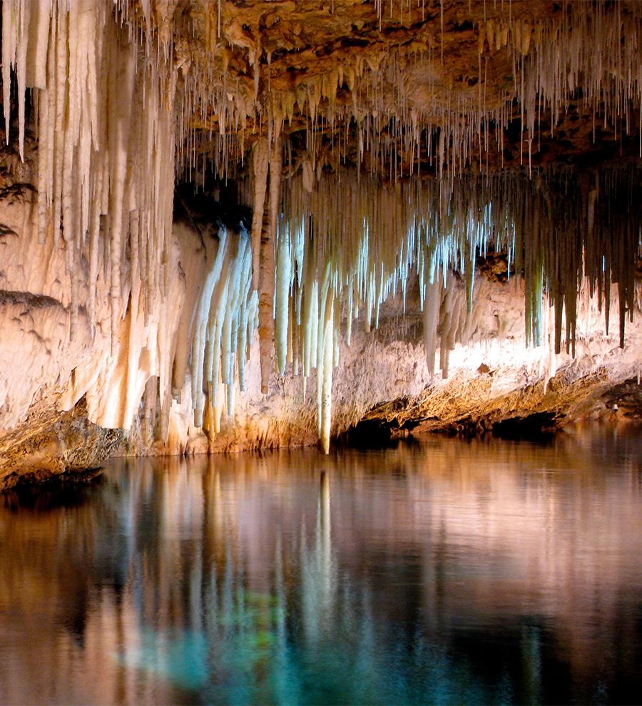 Excursión Cuevas De Cristal y Tuckers Town Drive